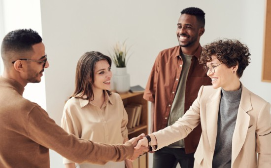How to Make a Good First Impression on Your Clients in 4 Ways